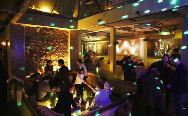 what to do in hanoi at night savage club