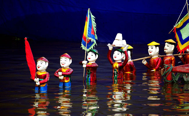 what to do in hanoi at night water puppet