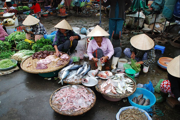 what to do in hue in 1 or 2 days fish market