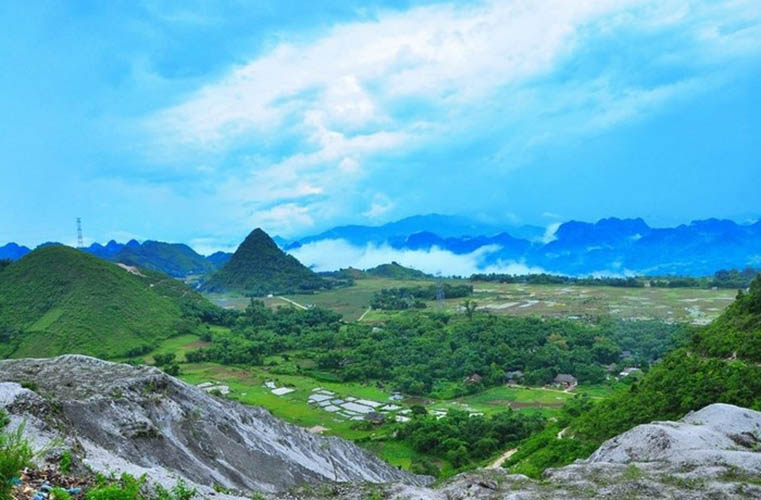 what to visit in Mai Chau Ba Khan