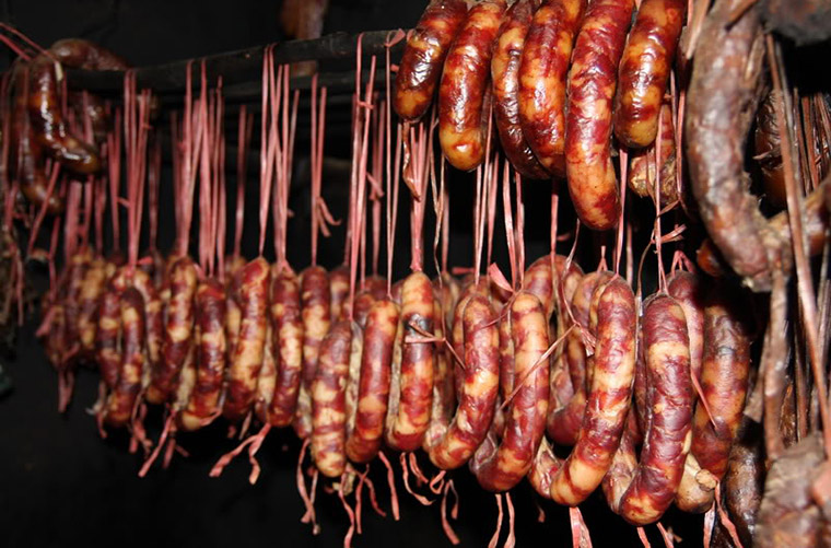 what-to-buy-in-ha-giang-smoke-sausage