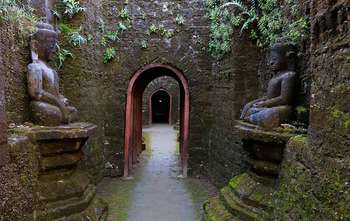 Mrauk U full day tour (B/-/-)