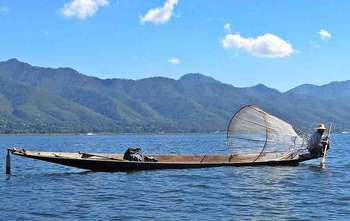 Mandalay – Fly to Heho – Inle lake (B/-/-)
