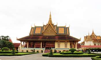 Phnom Penh – full day city tour (B/-/-)