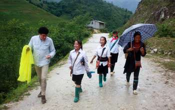 Sapa –trekking Ma Tra – Ta Phin village – night train to Hanoi (B/L/-)