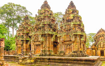 Phnom Penh – Fly to Siem Reap – Rolous group – Banteay Srei (B/-/-)