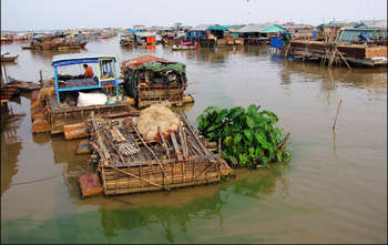 Siem Reap –Tonle Sap Lake –Fly to Phnom Penh (B/-/-)