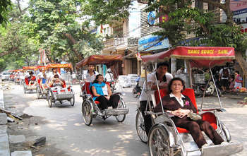 Hanoi arrival – walking tour (D)