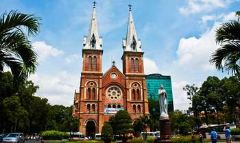 Flight to Ho Chi Minh City - Half day city tour (B/-/-)