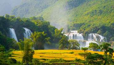Waterfalls and the beauties in the Northern Vietnam